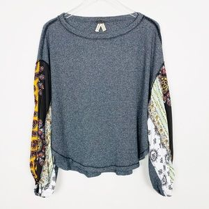 FREE PEOPLE Blossom Thermal S Gray Paisley Sleeve